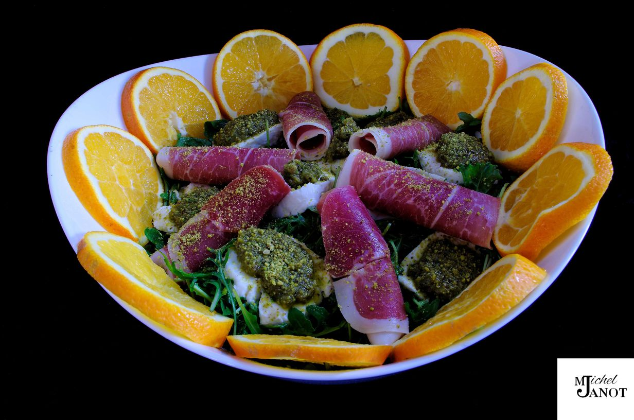 salade composée roquette-orange-mozza-pistache